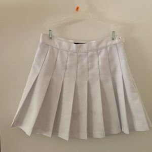 Small Used American Apparel White Tennis Skirt